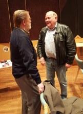 Olle Lindholm pratar med Rune Sjögren